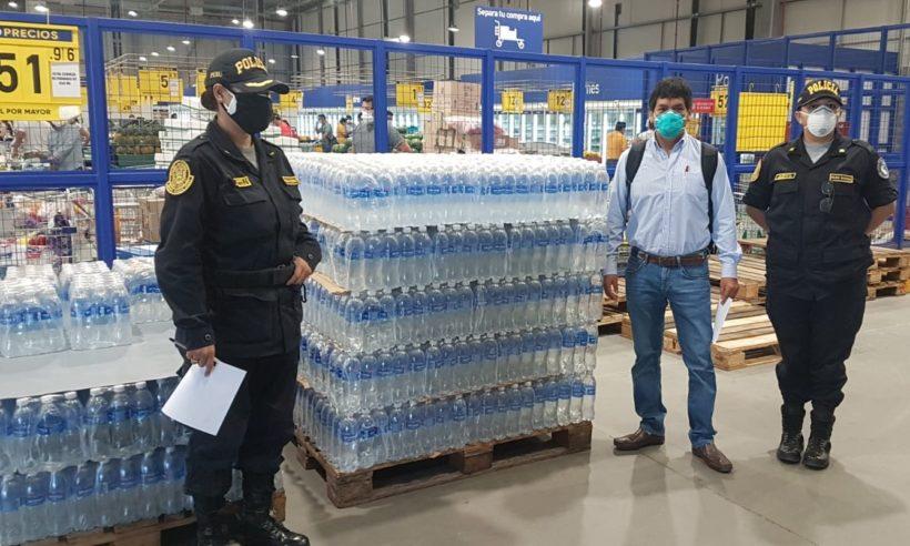 Río Blanco apoya a la Policía Nacional con dotación de botellas de agua